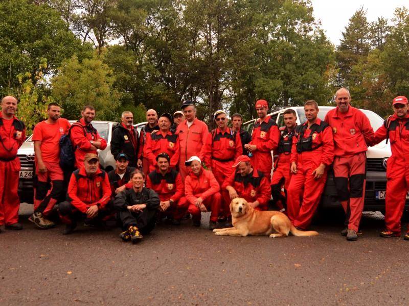 Летен курс за работа на спасителни кучета
