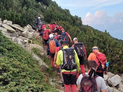 Продължава работата на планинските спасители