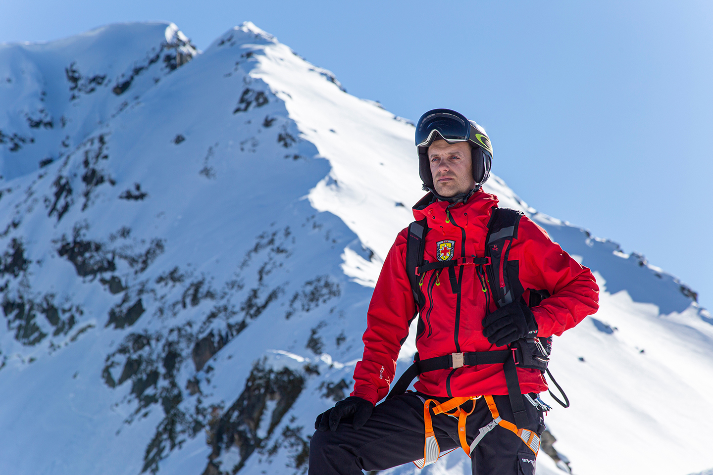 evn-campaign-mountain-rescuer-2-1440x960